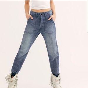 Free People Skye Relaxed Boyfriend Jeans NWOT